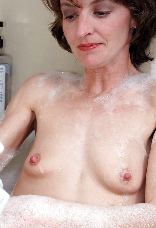 Red hot milf pic