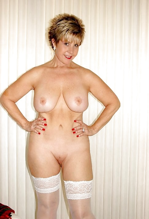 Check my milf with xxl size dildos stretching her pussy 4