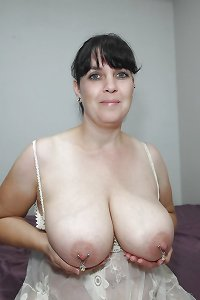 Big natural tits 17