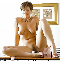 Singl Milfs at Home -291-